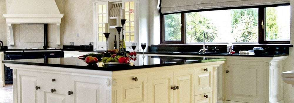 Advantages of black kitchen worktops